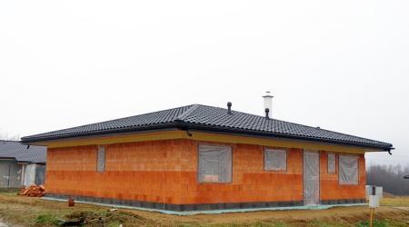 Stavba novej strechy