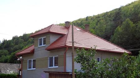 Výstavba strechy