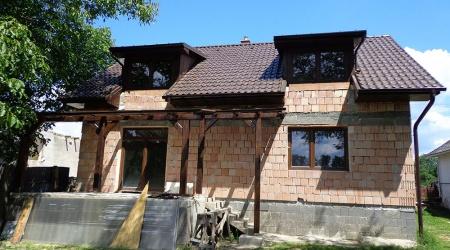 Výstavba strechy – Drienov